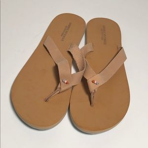 American Eagle AEO leather flip flops size 9